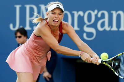 Wozniacki eases into Kuala Lumpur semis