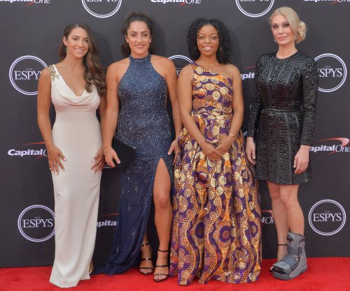 Aly Raisman, 141 Nassar abuse survivors give speech at ESPYs