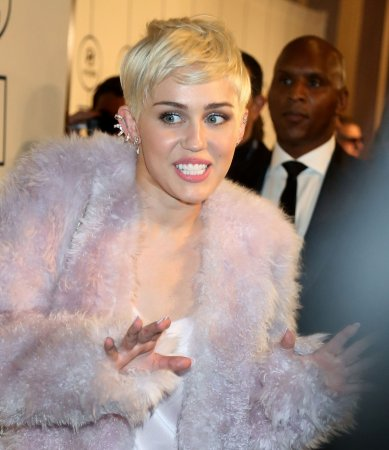 Miley Cyrus to cover Beatles song