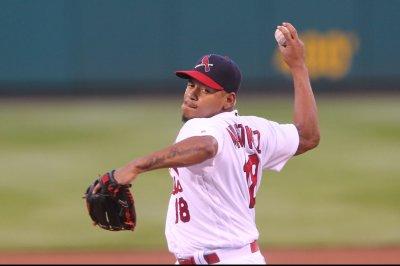 Carlos Martinez silences Pittsburgh Pirates bats in St. Louis Cardinals' win