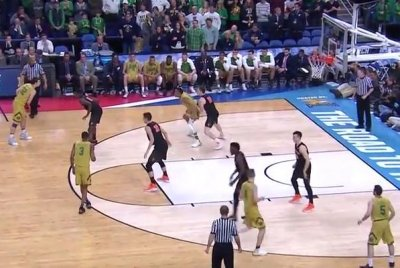 Notre Dame escapes against No. 12 seed Princeton