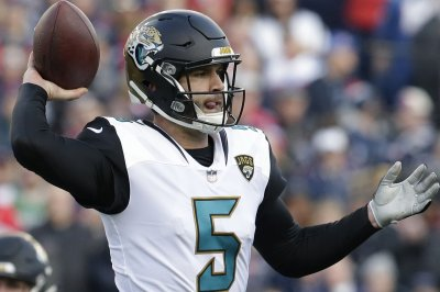 Jaguars escape vs. Giants with big game on horizon