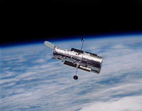 Hubble Space Telescope: Working again
