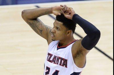 Kent Bazemore helps Atlanta Hawks blast Philadelphia 76ers