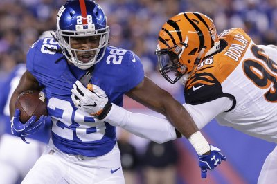 Giants RB Perkins out indefinitely with pectoral injury