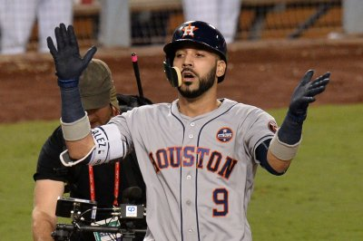 Houston Astros' Marwin Gonzalez ends 26-game homer drought with two straight bombs
