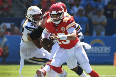 Broncos aim to slow red-hot Patrick Mahomes, Chiefs