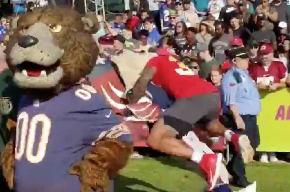 6c83edd7199 Watch: Jets' Jamal Adams lays out Patriots mascot at Pro Bowl - UPI.com