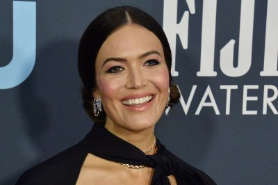 Mandy Moore to release first album in 10 years in March