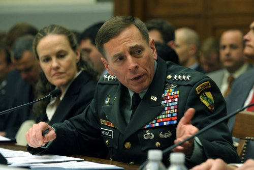 Petraeus: Iraq security changes going well