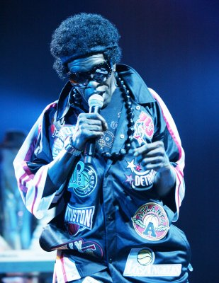 Sly Stone performing with daughter