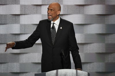 Michael Jordan, Kareem Abdul-Jabbar, Vin Scully to receive Presidential Medal of Freedom