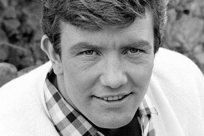 Albert Finney, five-time Oscar nominee, dead at 82