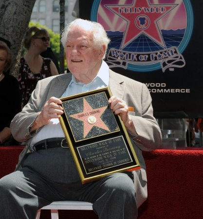 Broadway lights to dim for late actor Charles Durning