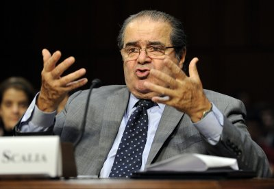 Antonin Scalia: Constitution permits favoring of religion over non-religion