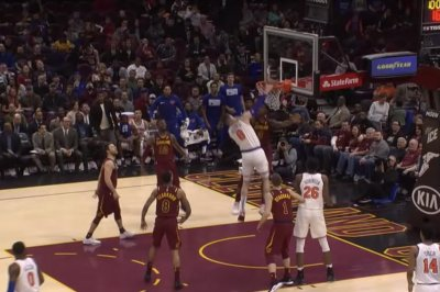 Knicks' Mario Hezonja has no regard for Cavaliers on nasty slam
