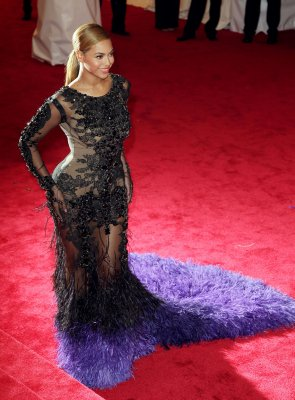 Beyonce drops out of 'Star is Born'
