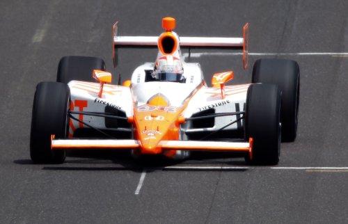 IndyCar driver Dan Wheldon killed in wreck