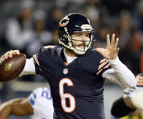 Chicago Bears: Cutler to start, Clausen diagnosed with concussion