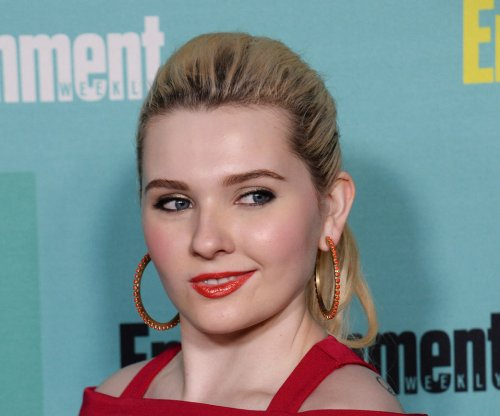 Abigail Breslin to star in ABC's 'Dirty Dancing' remake