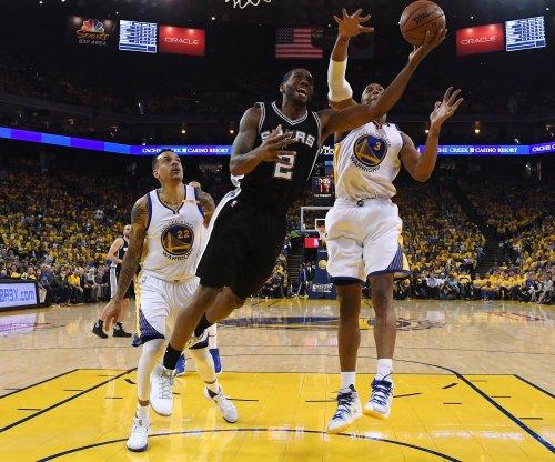 Gregg Popovich yanks San Antonio Spurs' Kawhi Leonard from Game 3