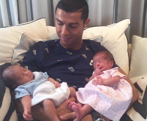 Cristiano Ronaldo debuts twin babies on social media