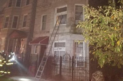 Eight killed in Chicago apartment fire; 3 hospitalized