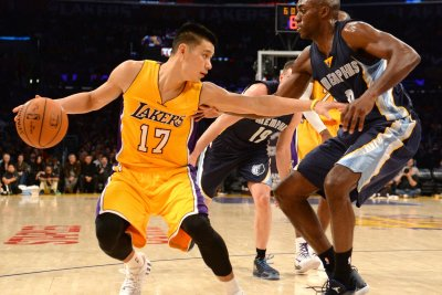 Jeremy Lin finalizing buyout with Hawks, will sign with Raptors