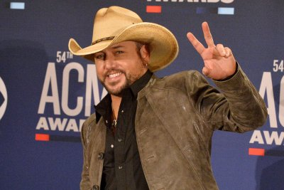 Jason Aldean returns with new album '9'