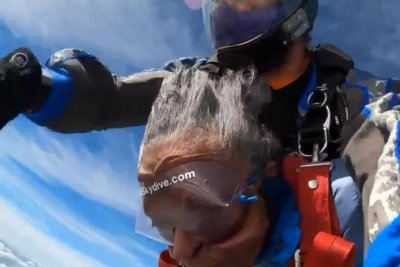 Maryland woman goes skydiving for the first time at 102