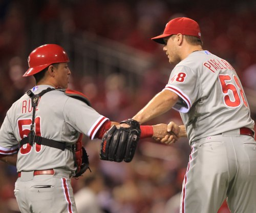 Papelbon again asks Philadelphia Phillies to trade him