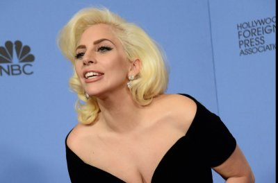 Lady Gaga to sing national anthem at Super Bowl