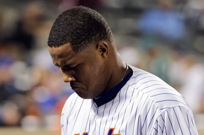 New York Mets closer Jeurys Familia undergoes surgery for blood clot in pitching arm