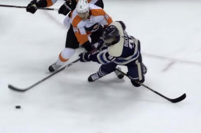 Blue Jackets' Anthony Duclair has hectic goal vs. Flyers