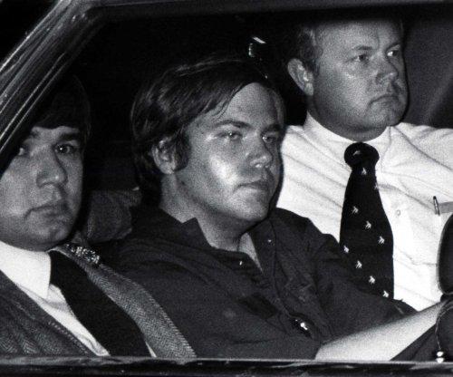 Judge allows failed Reagan assassin Hinckley to live alone