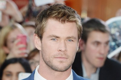 Chris Hemsworth to play receptionist in female-centric 'Ghostbusters' sequel