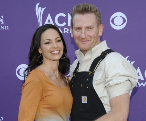 Joey Martin Feek is 'very, very strong,' says husband Rory Feek