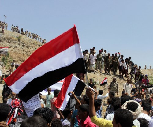 Islamic State bombs target Yemeni army recruits, killing at least 40