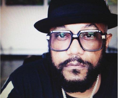 Ricky Harris, comedian, 'Everybody Hates Chris' star dies at 54