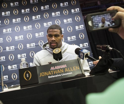 Alabama DE Jonathan Allen adds Lombardi to trophy collection