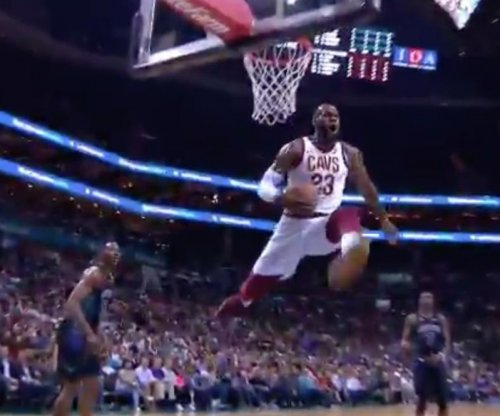 LeBron James stops midair on monster dunk attempt