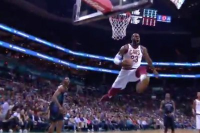 LeBron James stops midair on monster dunk attempt