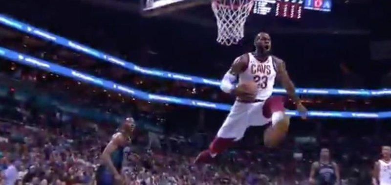 watch lebron james stops midair on monster dunk attempt upi com