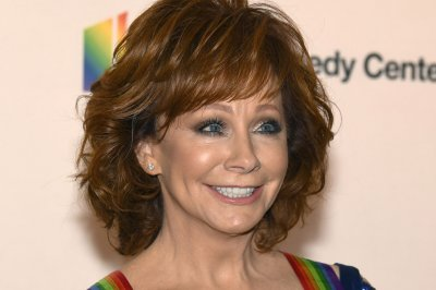 Reba McEntire turned down 'Titanic' role during tour