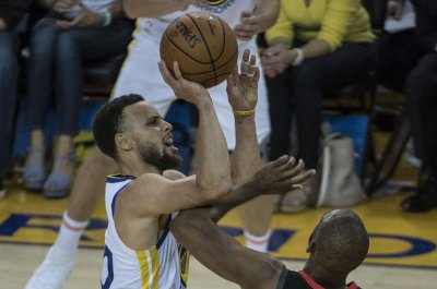 Stephen Curry scores 23 in fourth quarter as Golden State Warriors eliminate Rockets