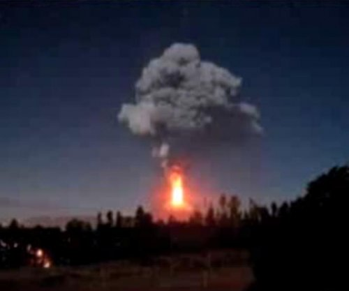 Villarrica volcano erupts in Chile