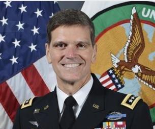 Top US commander makes unannounced visit to Syria