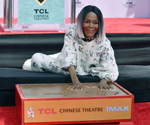 Cicely Tyson immortalized in handprint ceremony