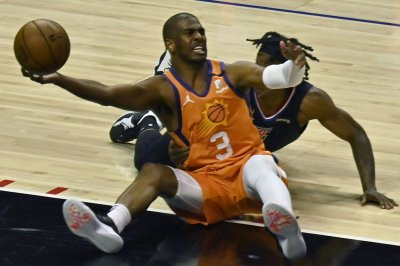 NBA Finals: Chris Paul 'not retiring,' hints at Suns return