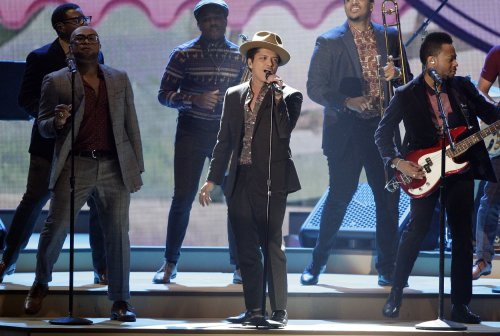 Bruno Mars' 'Heaven' No. 1 on U.S. record chart for a sixth week